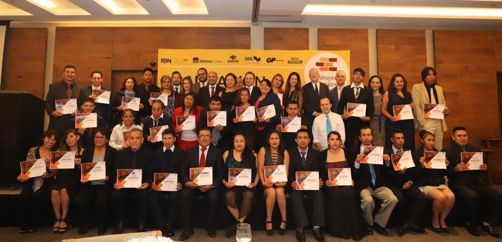 QUIERO CASA WAS PRESENT A AT THE GRADUATION OF STUDENTS FROM CONSTRUYENDO Y CRECIENDO